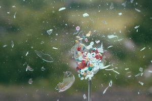 Kaputtes Glas Scherben