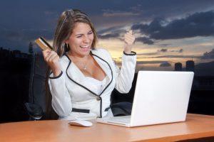 Die Beantragung eines Kredits im Internet ist einfach. Die Kreditbestätigung kommt schnell.