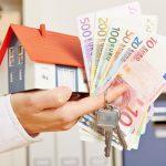 Immobilienfinanzierung - Haus - Geld - Schlüssel