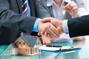 Wohnbaufinanzierung Händedruck Vergleich